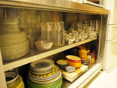 レンタルカフェのお洒落な料理用の色皿