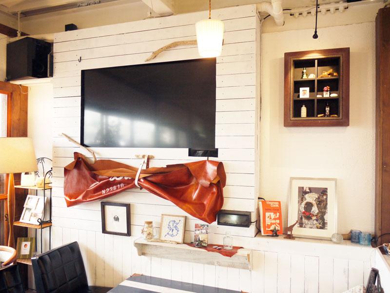 セミナーなどで利用可能な大型TVモニターをホワイトボードの代わりに