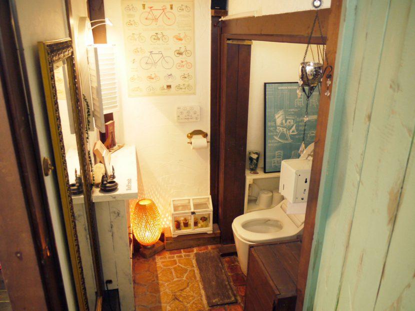 着替えや衣装チェンジにもご利用可能な広いトイレ